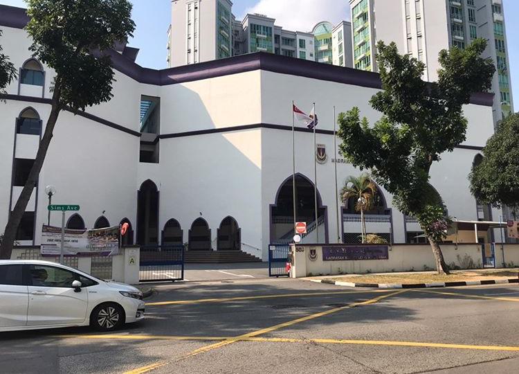Ustaz Ahmad Faritz was a student from Madrasah Wak Tanjong Al Islamiah.