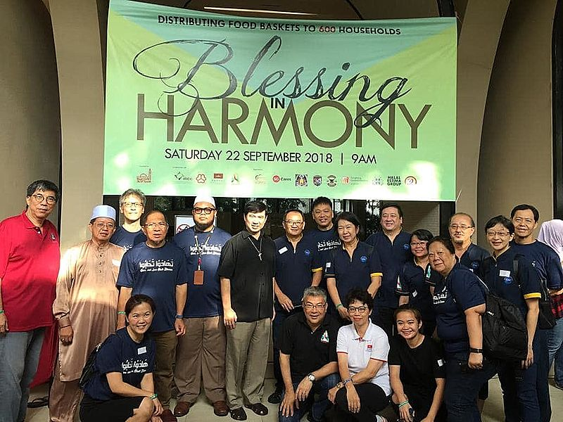 Blessing in Harmony distribute food to underprivileged