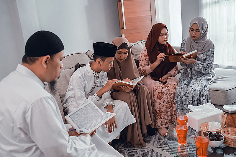 Complete Quran in 30 days with family
