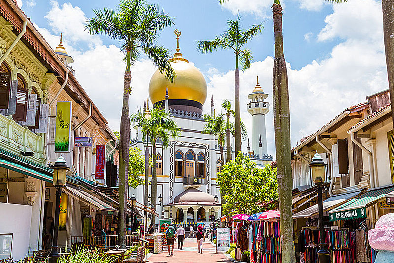 why is the sultan mosque important