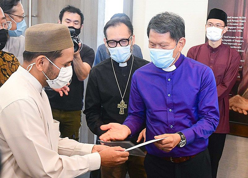 Mufti of Singapore Dr Nazirudin Mohd Nasir and Reverend Keith Lai